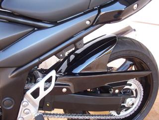 Eliminador de paralama Bandit 650 e 1250 (Conj elim. + Paral.) encomenda 10 dias utéis -PRETO  - Nova Suzuki Motos e Acessórios