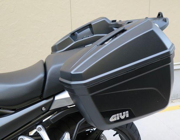 Baú Lateral Givi E22 o Par - NOVO!- Pronta Entrega  - Nova Suzuki Motos e Acessórios