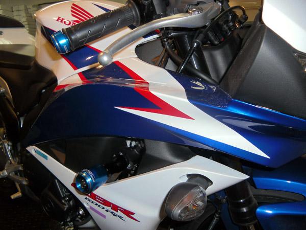 Slider Dianteiro Procton Racing com Amortecimento p/ Honda CBR 600RR 10/12  - Super Bike - Loja Oficial Alpinestars