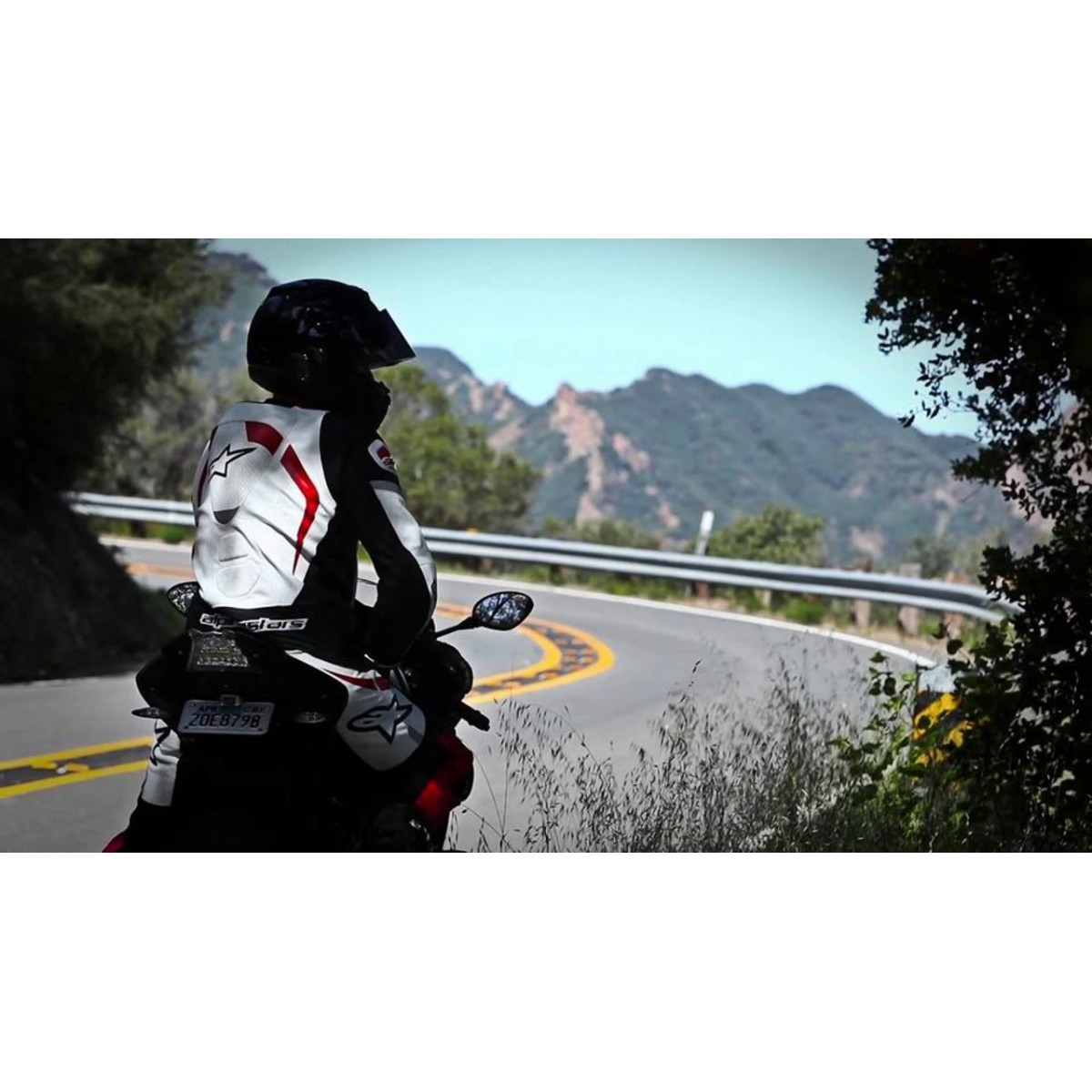 Macacão Alpinestars Motegi 2 pçs - Branco/Preto/Vermelho  - Super Bike - Loja Oficial Alpinestars