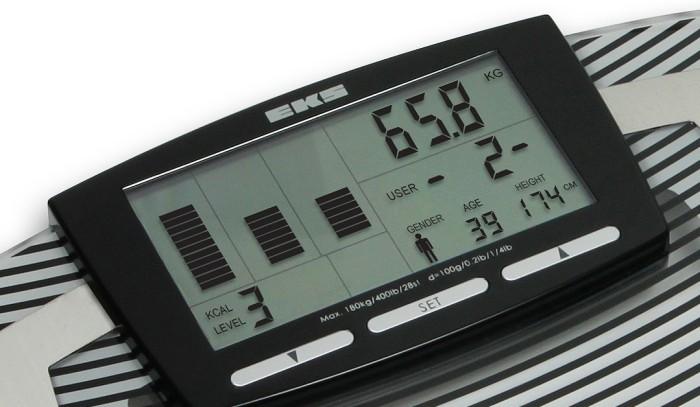 Balan�a e Monitor de Composi��o Corporal Multifrequencial EKS � FOCUS 9800