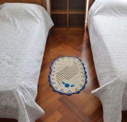 Tapete de Crochê Oval com Aplicação - 72cm x 53cm
