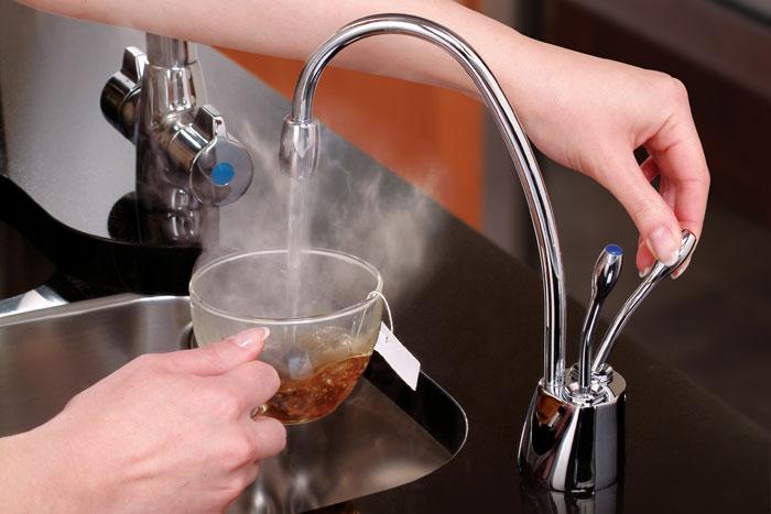 Sistema Água Quente e Fria HC1100 In Sink Erator