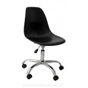Cadeira charles Eames DSW Giratória Base Cromada e Concha em Polipropileno Preto