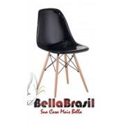 Cadeira Charles Eames Policarbonato Preta Base Madeira