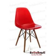 Cadeira Charles Eames Policarbonato Vermelho Base Madeira