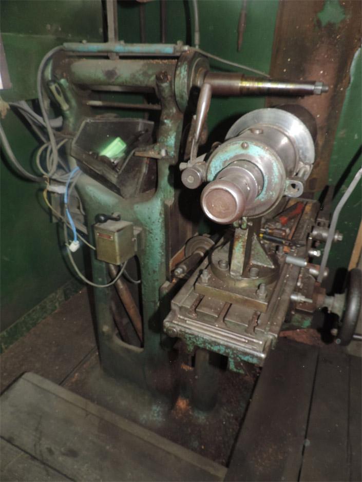Afiadora / Fresadora 1 ½ Cv - 220v - 1350 Rpm - Usada