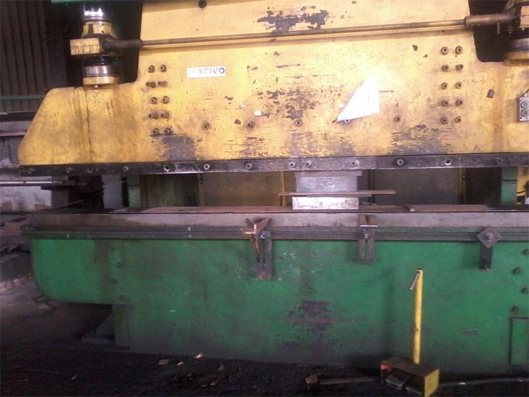 Prensa Dobradeira Hidráulica - 3000 mm x 16 mm - 350 Tons - HIMECA