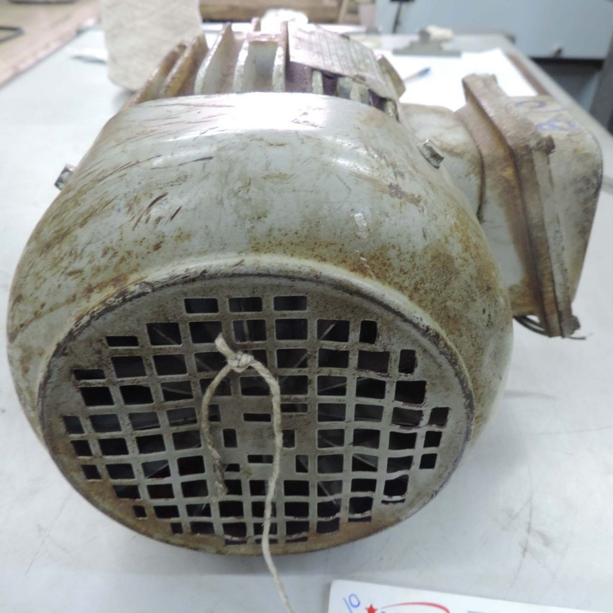 Motor Trifásico Marca Eberle B10 - 1 Cv 1715 Rpm