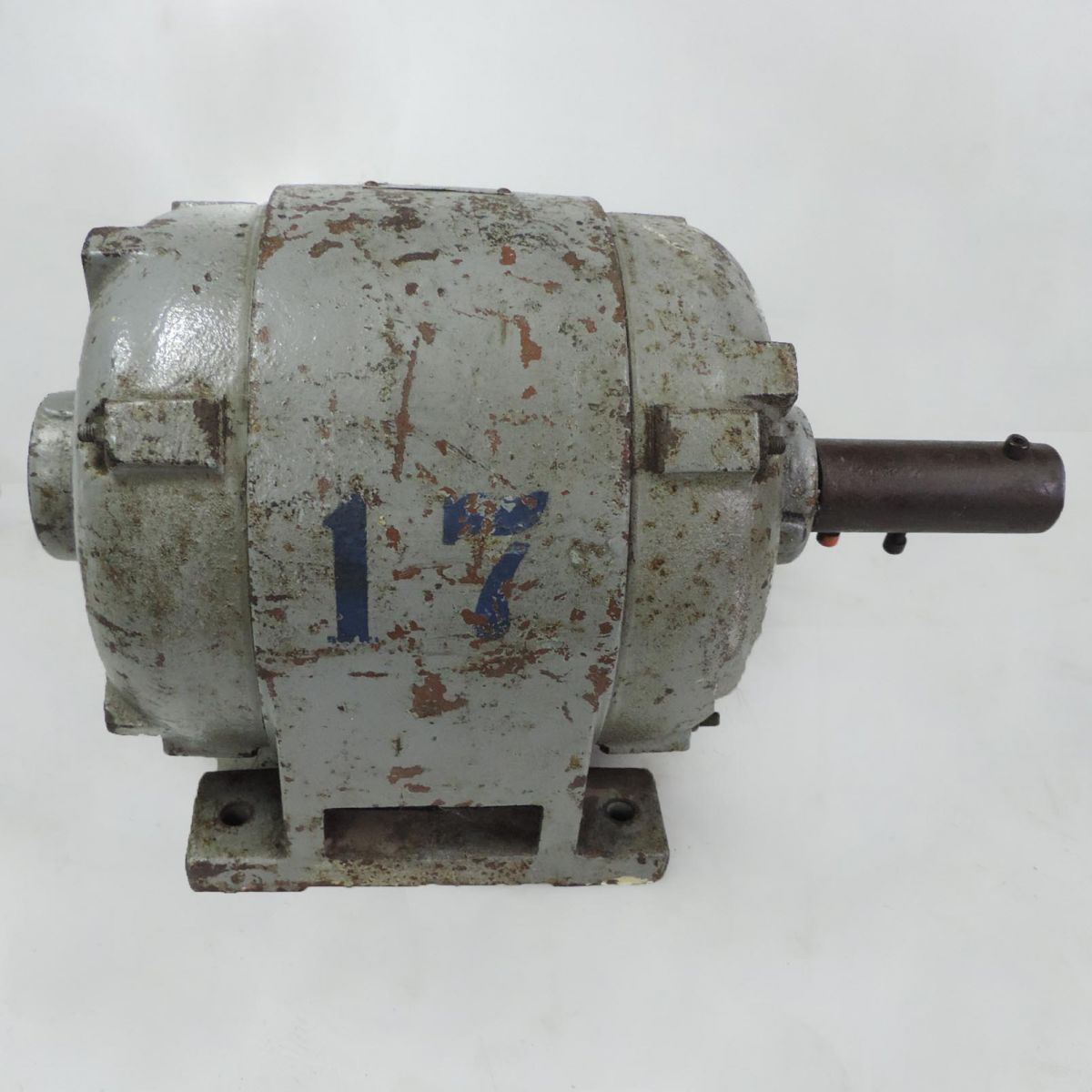 Motor Trifásico Marca Manzoli Brasil F18 - 1,5 CV 1740 RPM