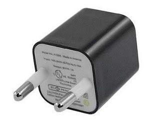 Mini Adaptador para Tomadas USB - Preto