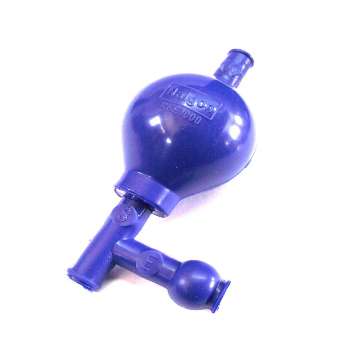 Pipetador em PVC 3 vias Tipo Pera com Esfera em Inox