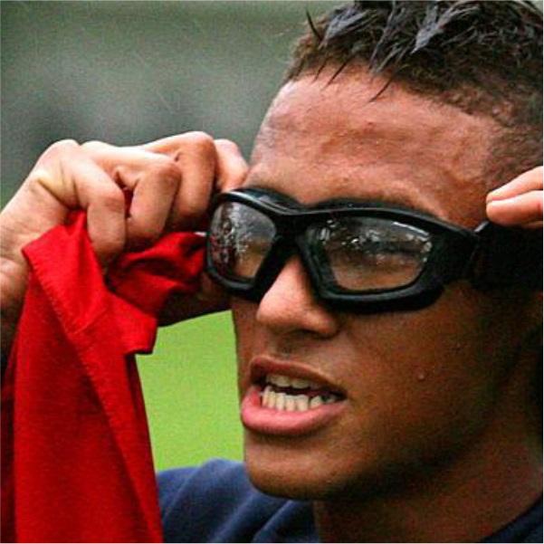 51bb25ec07c6f Óculos D-Tech para Futebol + Adaptador de Lentes de Grau - CasaFaz ...