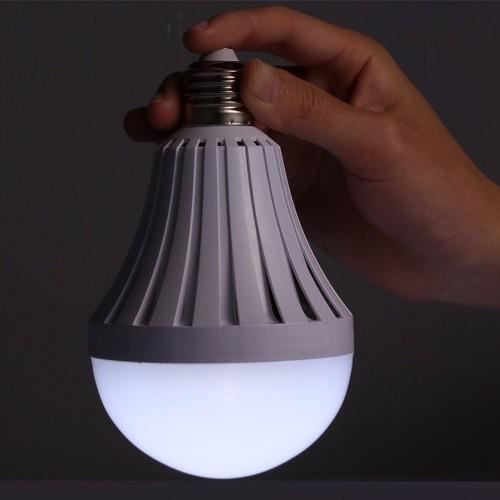 Lâmpada Led Bulbo Inteligente 12W 6500K Recarregável 220V E27  - Casafaz