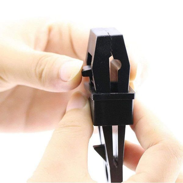 Esticador Presilha Para Lonas Coberturas Barracas 8,3 x 2,5cm 20 Unidades  - Casafaz