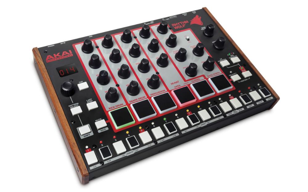 Akai Rhythm Wolf Sintetizador e Bateria, 6 Pads sequenciador