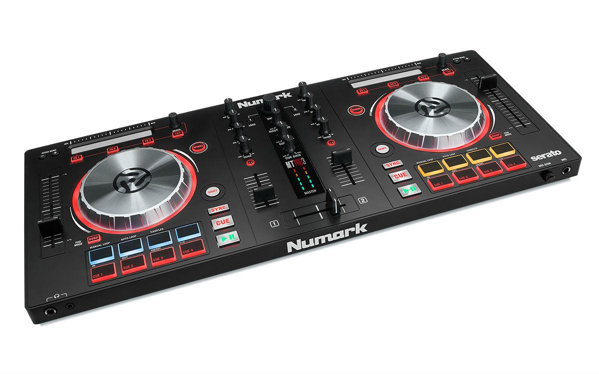 Numark Mixtrack Pro 3 Controladora Dj, Serato Dj Intro, Preta, Usb