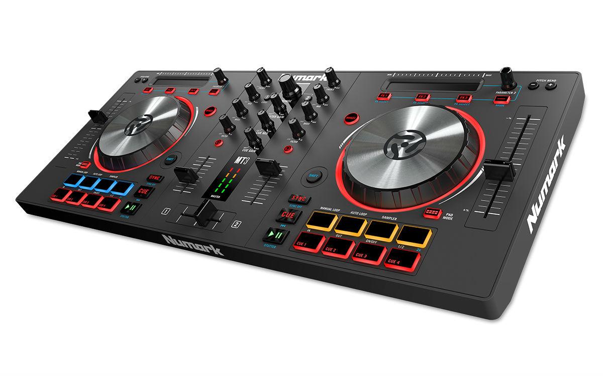 .Numark Mixtrack Pro 3 Controladora Dj, Serato Dj Intro, Preta, Usb