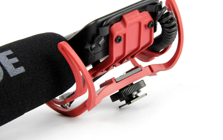Rode Videomic Rycote Microfone Shotgun para Camera