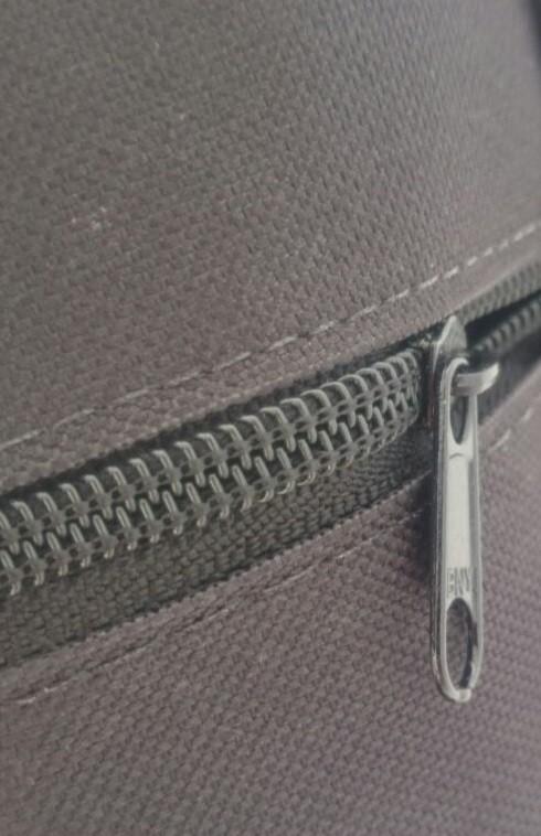 Capa para Violão Clássico simples, CLAVE & BAG. No formato do violão e com alça de mão. CM501  - ROOSTERMUSIC