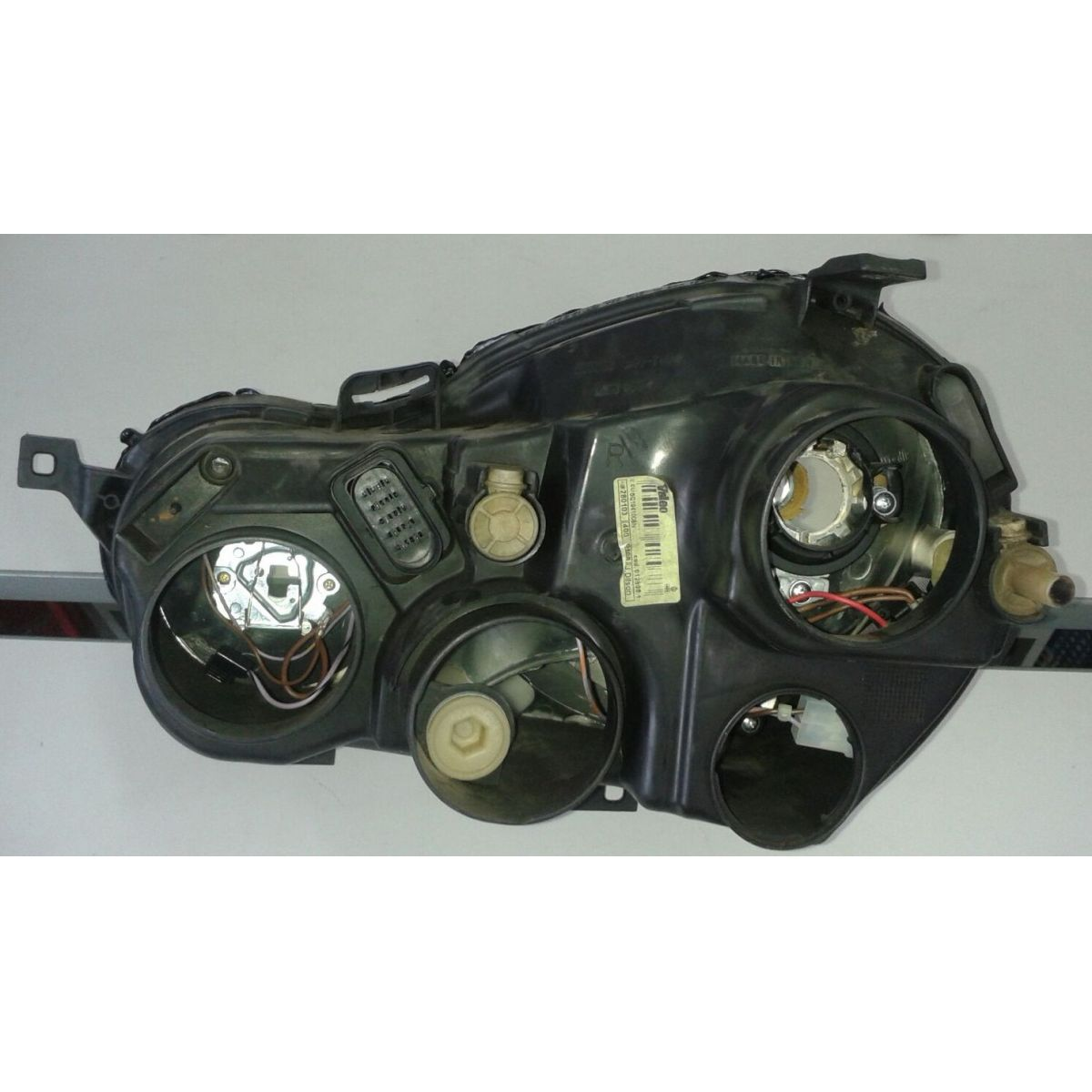 Farol Polo Hatch Sedan 03 a 06 - Amd Auto Pe�as