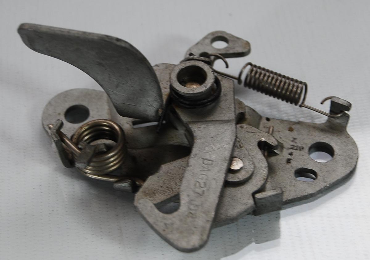 Fechadura Inferior Capo Peugeot 206 99 a 09 Usada  - Amd Auto Peças