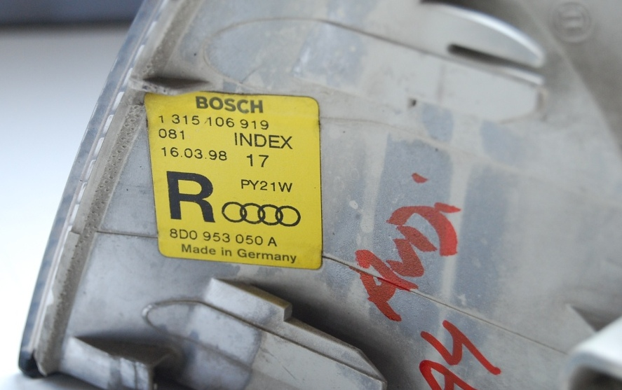 Lanterna Dianteira Pisca Audi A4 95 a 99  - Amd Auto Peças