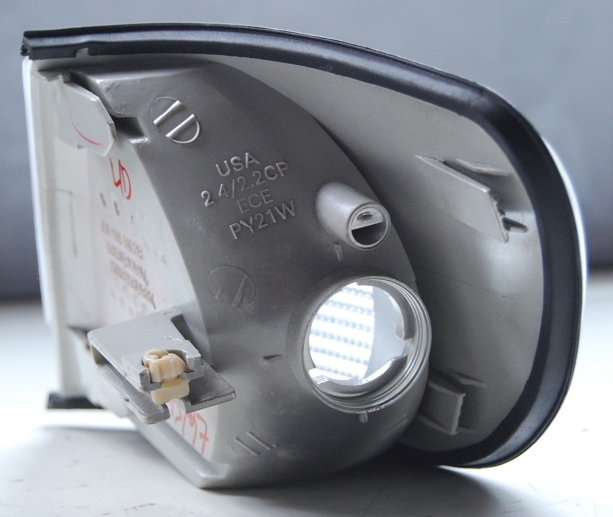 Lanterna Dianteira Pisca Audi A6 95 a 97  - Amd Auto Peças