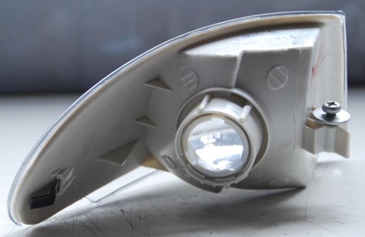 Lanterna Dianteira Pisca Mondeo 93 a 96  - Amd Auto Pe�as