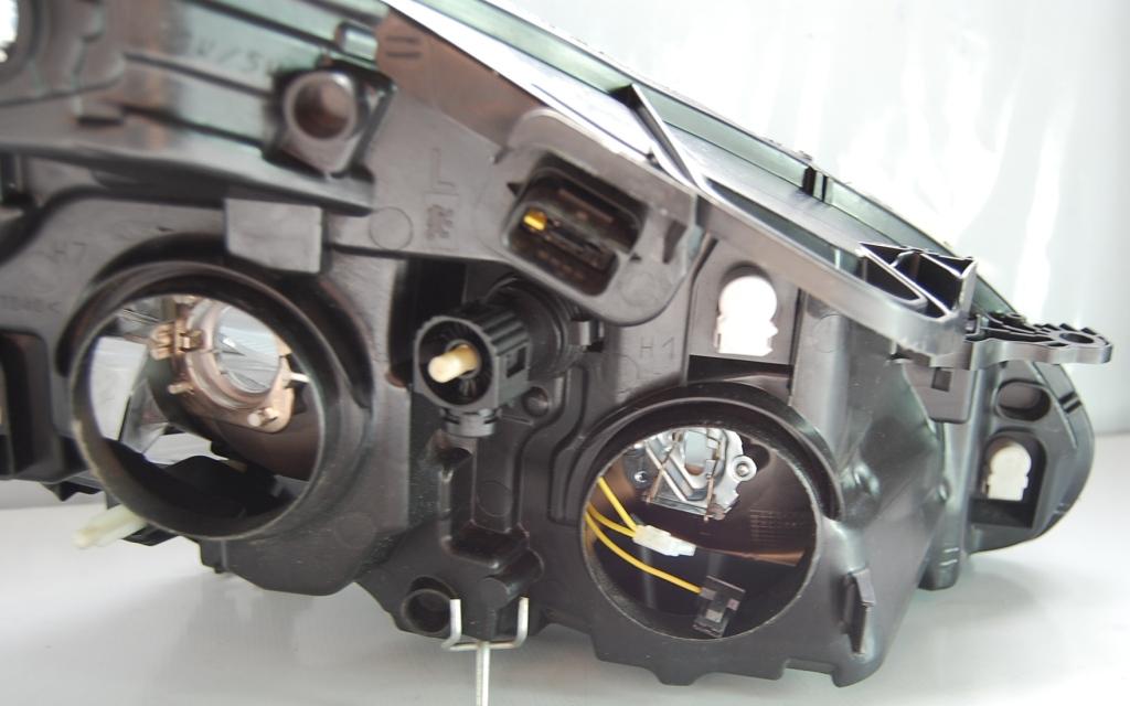Farol Peugeot 208 15 Sem Leds  - Amd Auto Peças