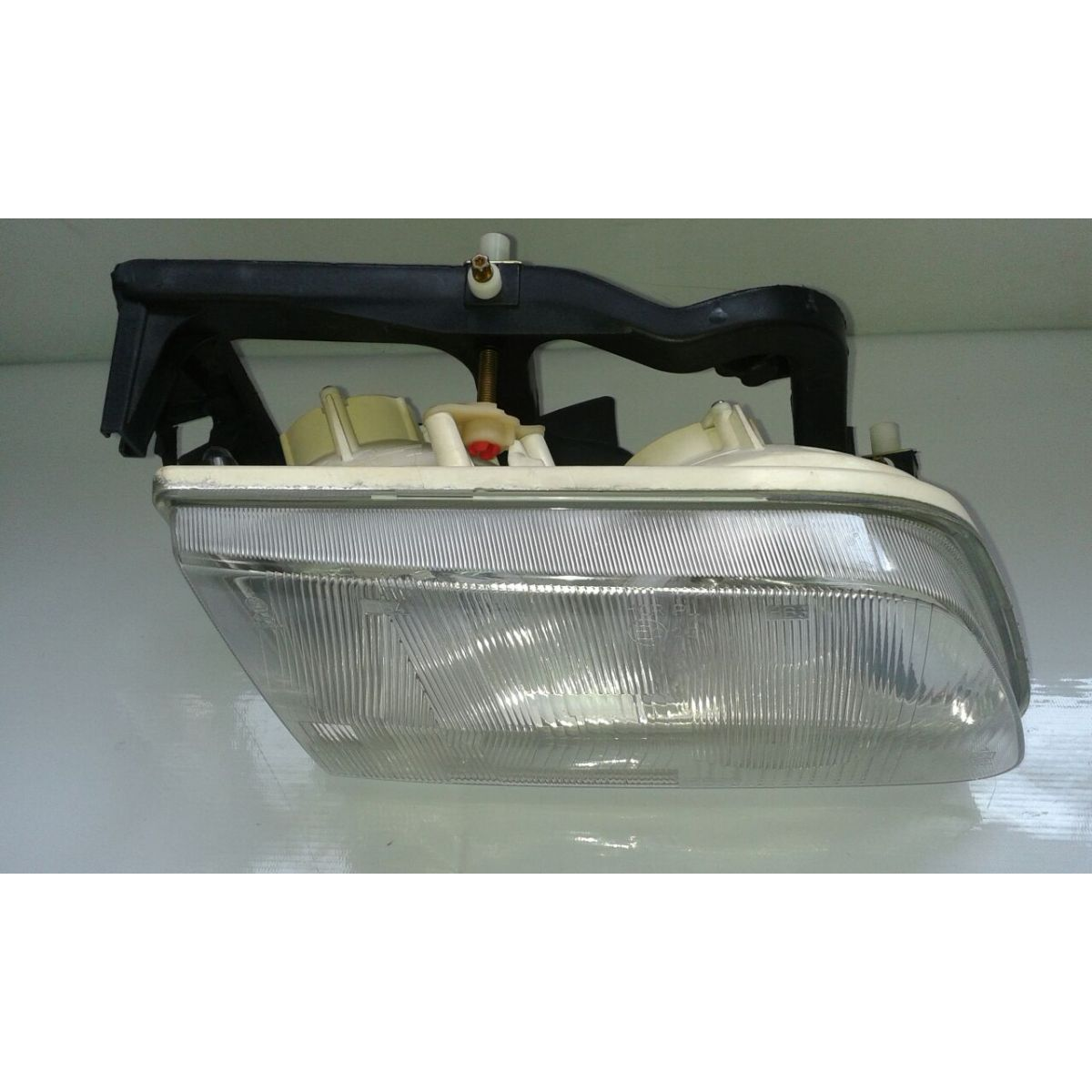 Farol S10 Blazer 96 a 02 Cibi� 600120 Direito  - Amd Auto Pe�as