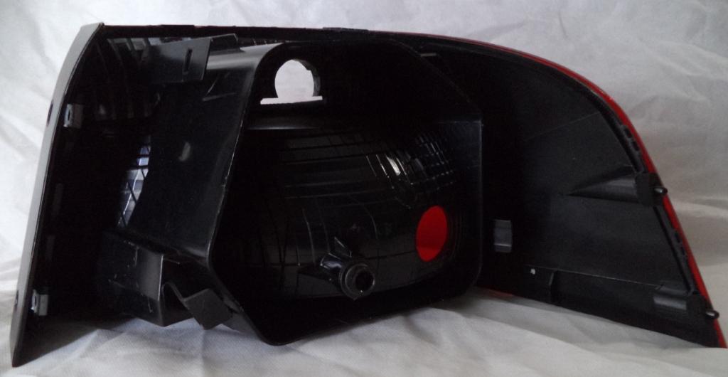 Lanterna Traseira Voyage 13 a 16   - Amd Auto Pe�as