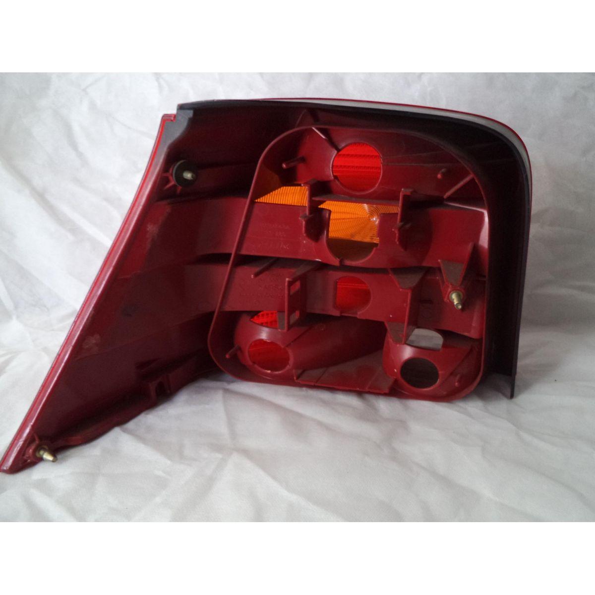 Lanterna Traseira Golf 99 a 06   - Amd Auto Peças