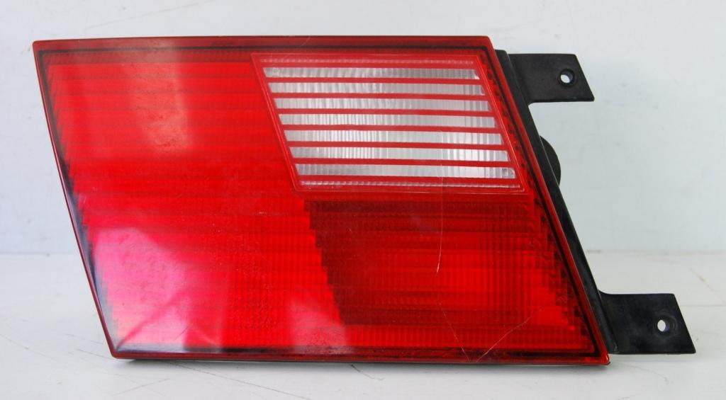 Lanterna Traseira Santana 99 a 06 Tampa Canto  - Amd Auto Peças
