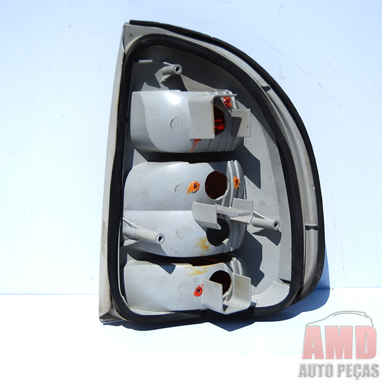 Lanterna Corsa Sedan 00 A 02 Classic 03 A 10 Fumê  - Amd Auto Peças