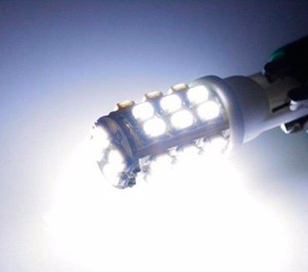 Lote 10 Lampadas 28 Leds SMD Pingo T10 W5w - Super Branca - Farolete Xenon