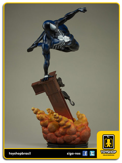 The Amazing Spider-Man: Spider-Man Black Costume Premium Format - Sideshow Collectibles