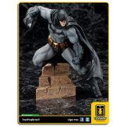 Arkham City: Batman Artfx 1:10 - Kotobukiya