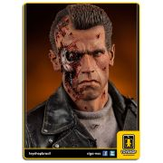 The Terminator: T-800 Battle Damaged Premium Format - Sideshow