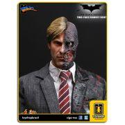 Batman The Dark Knight: Two-Face - Hot Toys