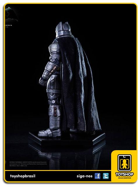 Batman v Superman: Estátua Armored Batman Art Scale 1/10 - Iron Studios