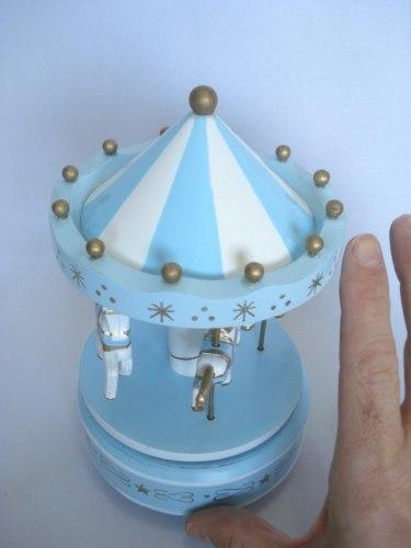 Mini Carrossel Caixinha Musical Azul Bebê Com Branco  - PRESENTEPRESENTE