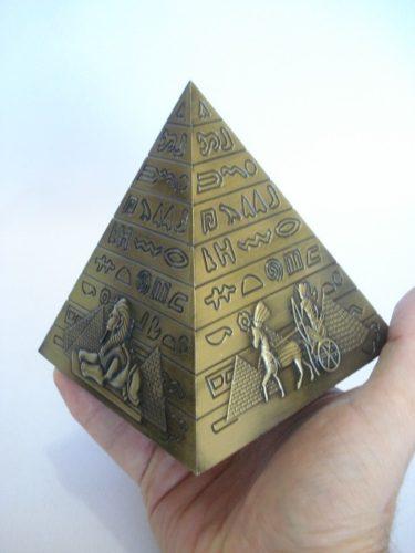 Enfeite Estátua Pirâmide Egito Decoração Escultura Metal  - PRESENTEPRESENTE