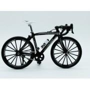 - Miniatura Bicicleta Moutain Bike Mini Preta Crazy