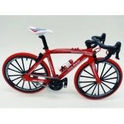 Miniatura Bicicleta Moutain Bike Mini Vermelha Red Tire