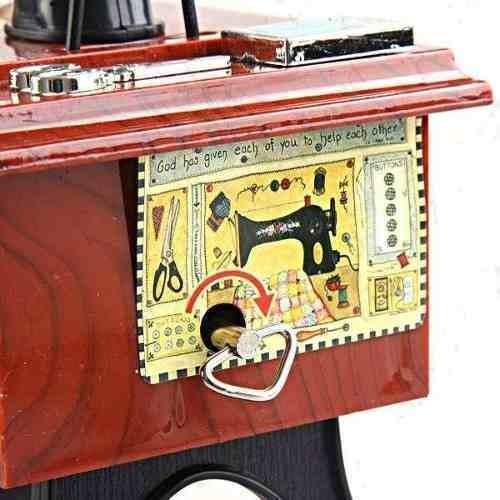 Caixinha De Música Máquina De Costura  - José Geraldo Almeida Marques