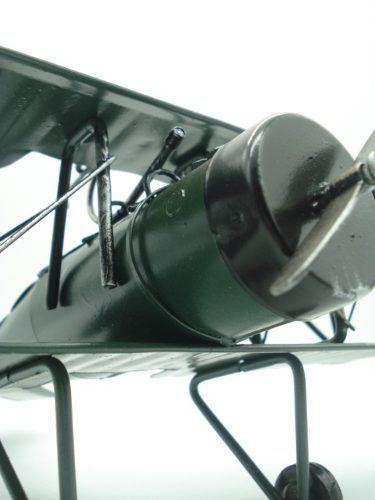 Avião De Guerra Miniatura Metal Verde 30cm  - José Geraldo Almeida Marques