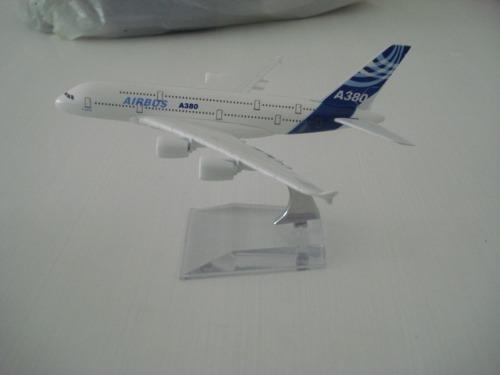 Airbus A380 Avião Miniatura  - José Geraldo Almeida Marques