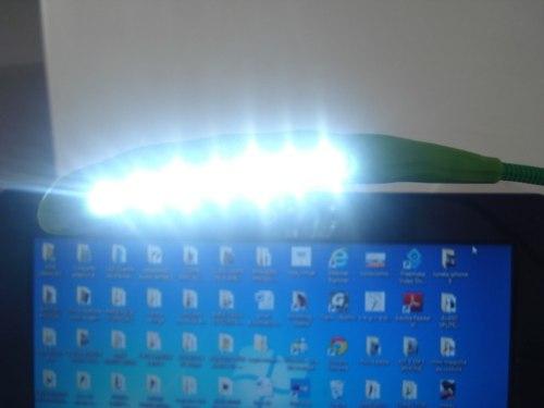 Luminaria Usb 7 Led Ervilha Ideal Para Leitura E Viagens  - Presente Presente