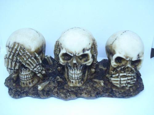 Enfeite Caveira Trio Crânios Surdo Mudo Cego  - PRESENTEPRESENTE